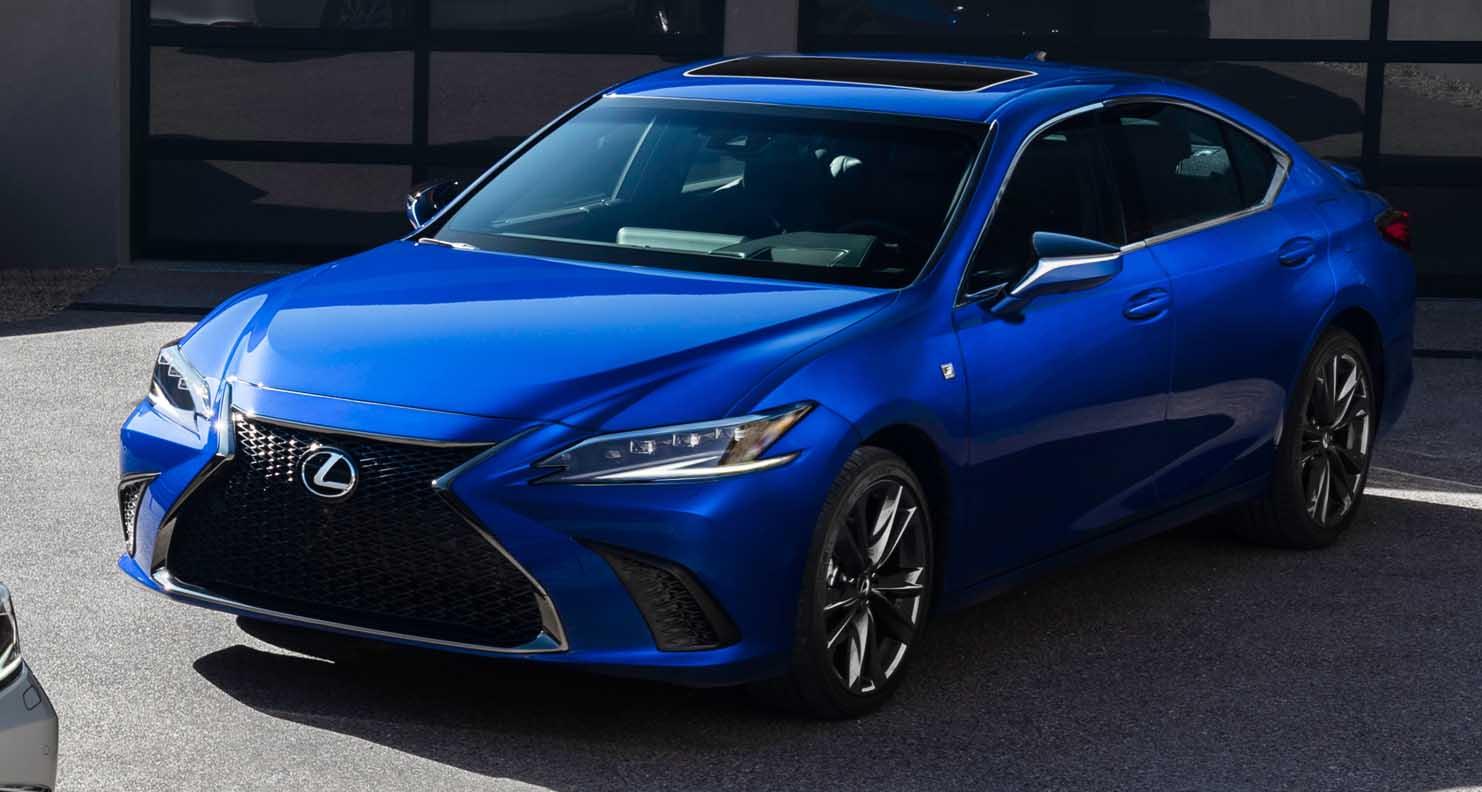Lexus ES (2022) – Resets Luxury Benchmarks